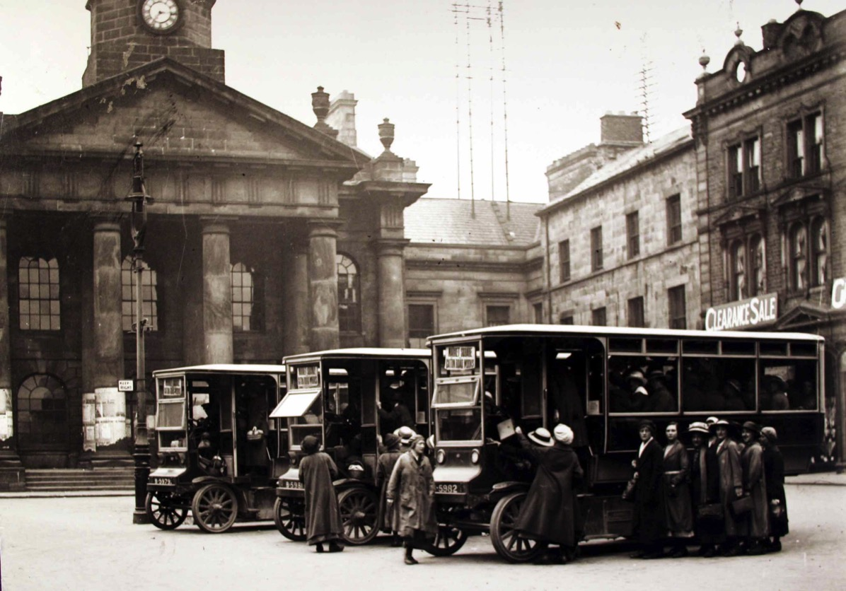 Battery buses Market Square 1917