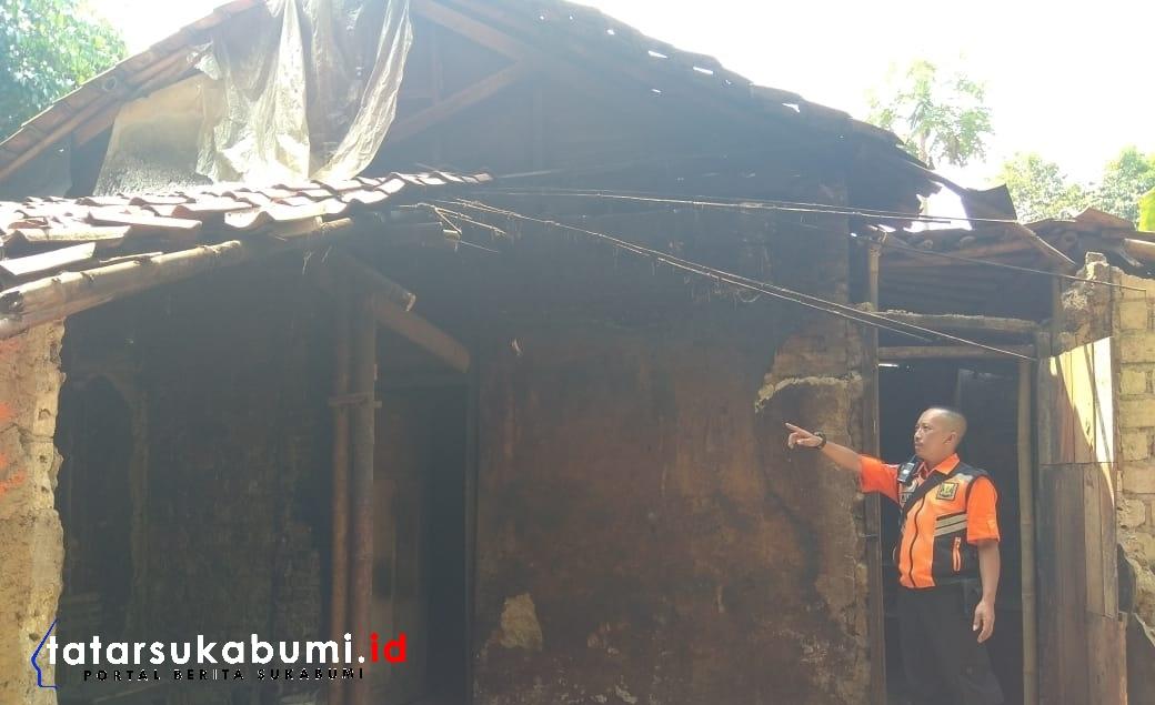 Rutilahu Milik Kakek Tua di Nagrak Sukabumi Ambruk
