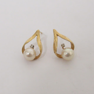 14K Gold & Pearl Earrings