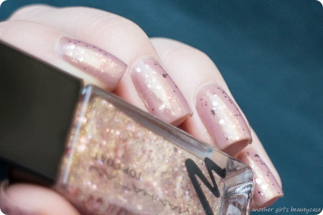 Nails Silvester Sparkling Nude Signature Nude Manhattan Swatch-3