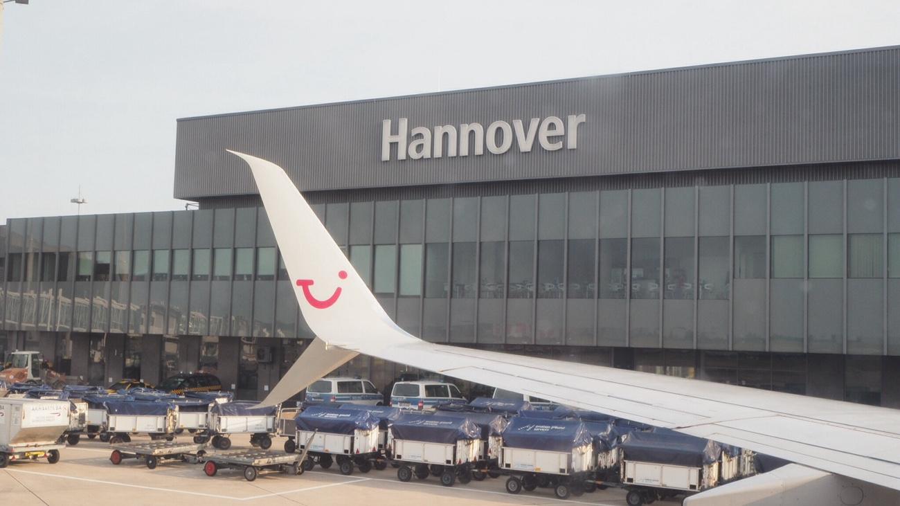 TUIfly am Flughafen Hannover Gate 13