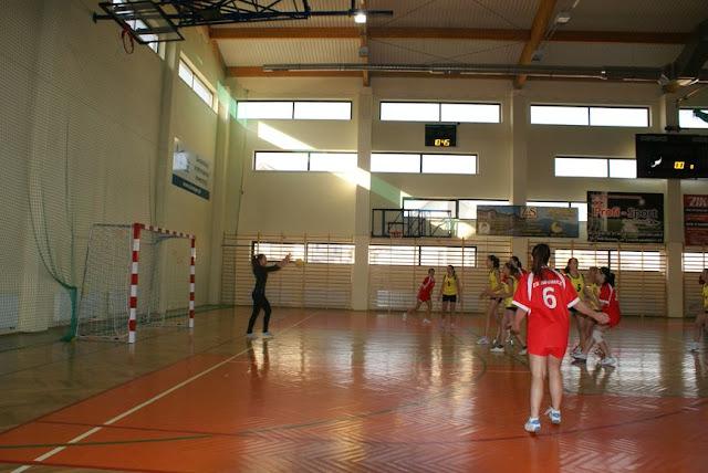 Piłka ręczna zowody listopad 2011 - DSC03785_1.JPG