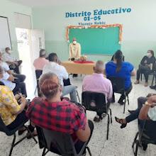 Técnicos Regional 01 y Distrital del 01-05 socializan con personal docente del centro Hermanas Mirabal.