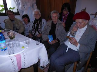 vpravo Hittmárová Mária a  Rajkovičová Marta -  budmeričanky