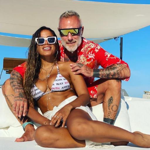 Anitta caminha para ter uma fortuna de 1 bilhão de reais