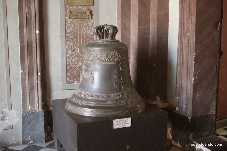 Campana en la Iglesia de San Francisco. Salta. Argentina