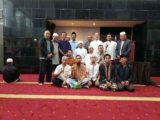 Silaturahmi Tim BBM Magelang dengan Aagym di Masjid Darut Tauhid Bandung Jawa Barat