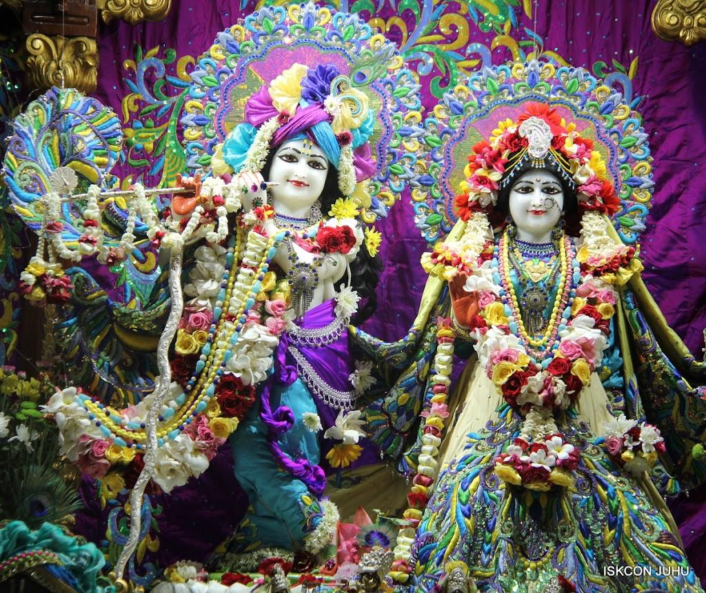 ISKCON Juhu Sringar Deity Darshan on 28th April 2016 (4)