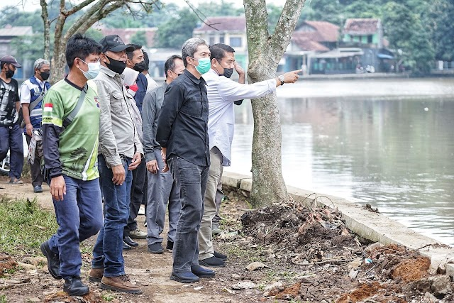 Cek Pembangunan Wisata Situ Gede, Dedie Minta Kontraktor Perhatikan Kualitas Pekerjaan