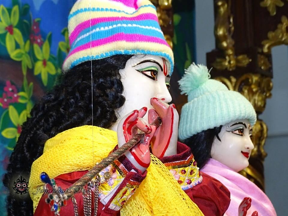 ISKCON Mira Road Mangla Deity Darshan 18 Dec 2015 (18)