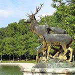 """Octogone : Statue """"Groupe de cervidés"""", sculpteur George Gardet"""