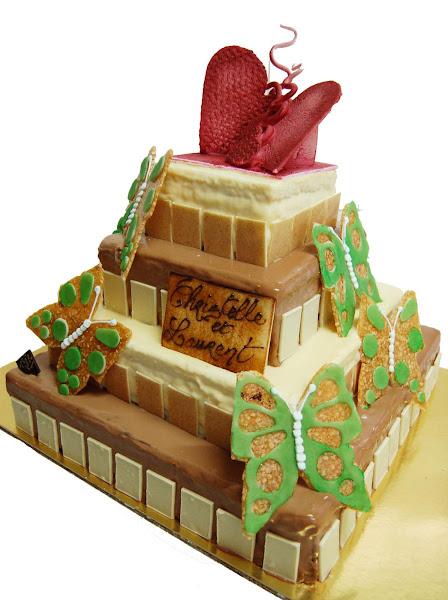 wedding cake coeurs rges 2 ptte.jpg
