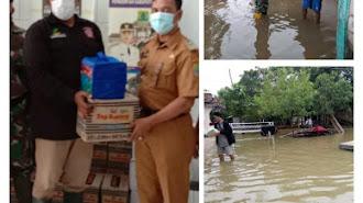 Dinsos, PMI dan BPBD Turunkan Logistik Bantu Korban Banjir Cilamaya