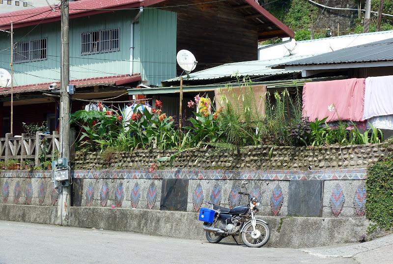 Shanmei, en scooter. J 16 - P1190186.JPG