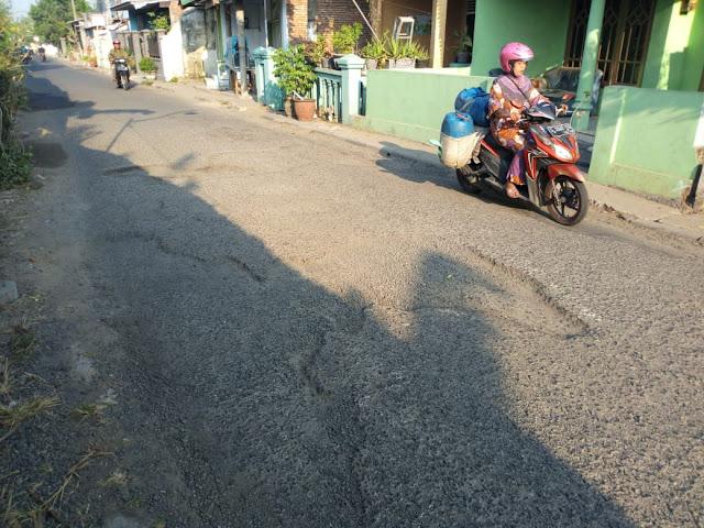 Jalan Berlubang Prajuritkulon  Kota Mojokerto