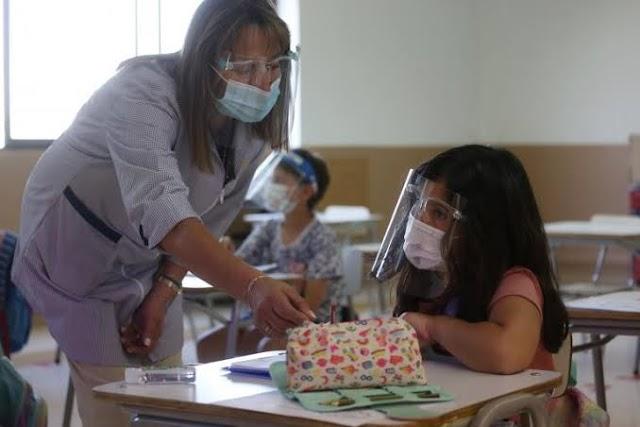 Maestros regresarían a dar clases solo si están vacunados y en semáforo verde