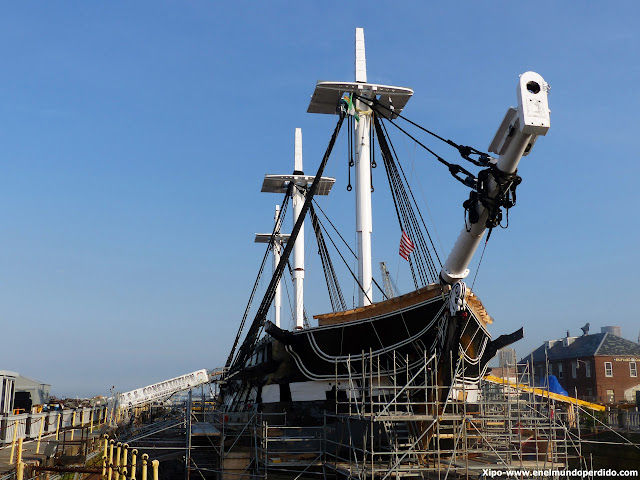 barco-uss-constitution-boston.JPG