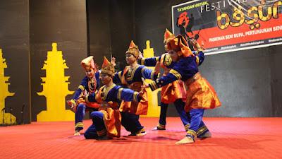 Fakultas Seni Pertunjukan ISI Padang Panjang Pukau Penonton di  Festival Besurek 2021
