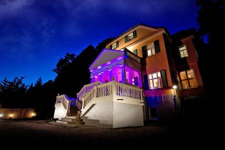 Villa_nachts