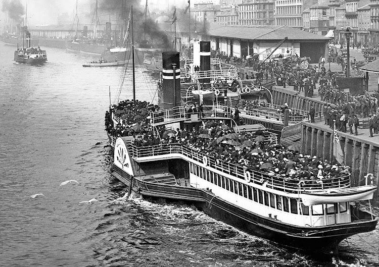 El CHANCELLOR en lugar y fecha indeterminados. Foto Graham Lappin, de la web Clyde Ships.jpg