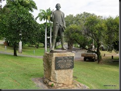 180502 051 Cooktown Capt Cook Statue