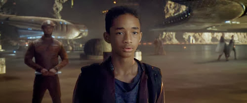 Screen Shot Of Hollywood Movie After Earth (2013) In Hindi English Full Movie Free Download And Watch Online at Alldownloads4u.Com