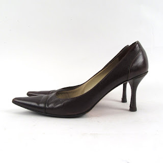 Gucci Brown Pebbled Leather Pointy Toe Pumps