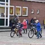 Fietscontrole bij Theo Thijssenschool Boven Pekela - Foto's Harry Wolterman