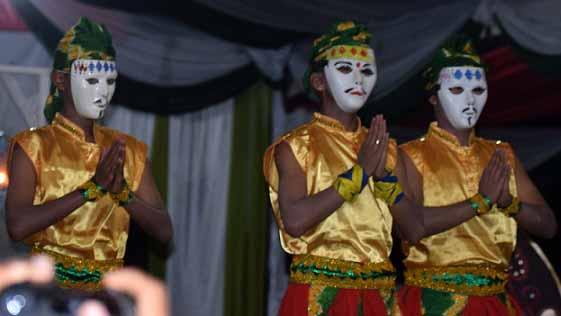 Tari Topeng khas Kalimantan Selatan