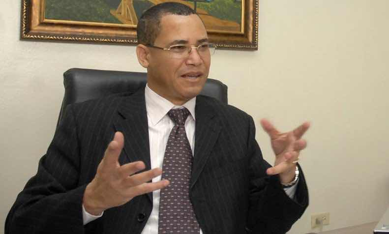 Olivares propone someter a la justicia empresa proporcionó equipos dañados a JCE