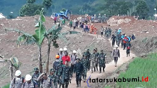 Proses pencarian korban longsor Cisolok Sukabumi hari ke-7 / Foto : Isep Panji (6/1/2019)