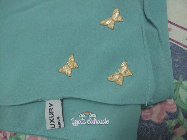 Terus Sarung Dengan Lixy Butterfly Shawl Dari N.U.R Luxury