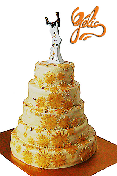 wedding-cake-doré-fleurs-ptt.jpg