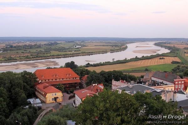 Widok na Zamek Krzyżacki z dzwonnicy Fary pw. Św. Mateusza w Nowem