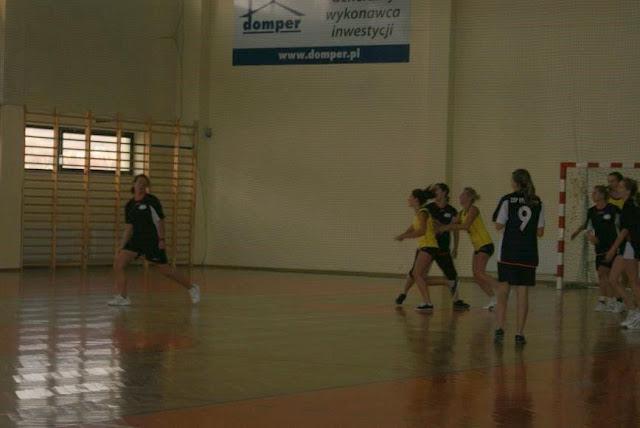Piłka ręczna zowody listopad 2011 - DSC03870_1.JPG