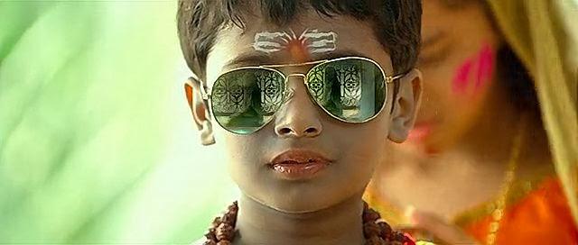 Screen Shot Of Hindi Movie Raanjhanaa (2013) Download And Watch Online Free at Alldownloads4u.Com