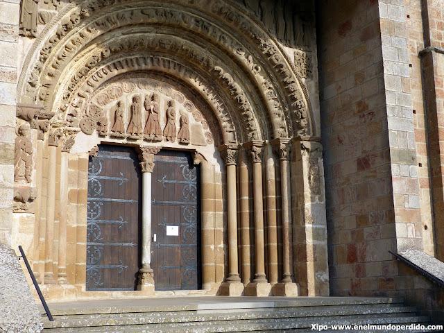 puerta-preciosa-monasterio-leyre.JPG