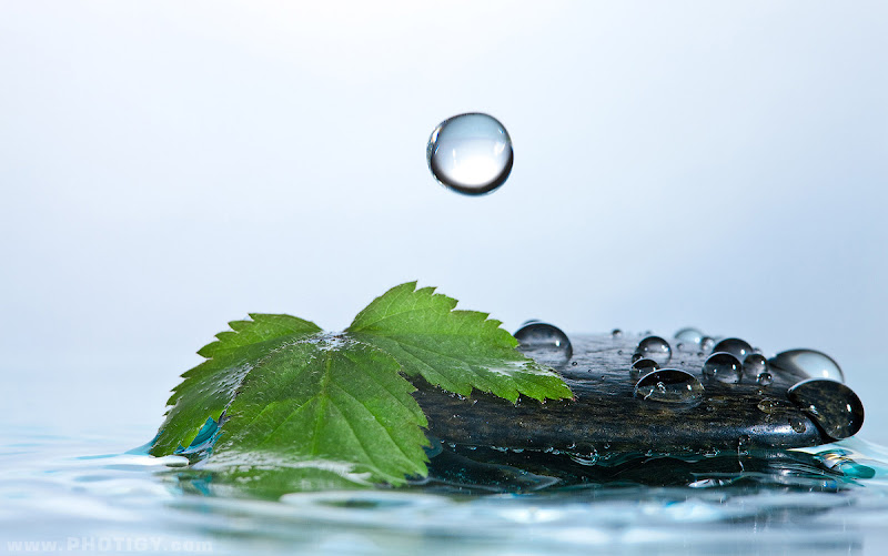 Photo: 20 Amazing liquid desktop wallpapers for all devices, including Retina displays: http://goo.gl/OU3lD