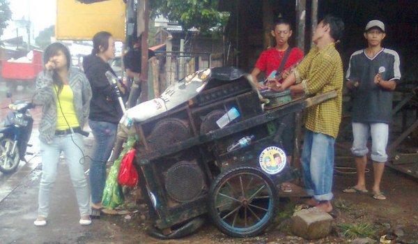 Orkes Dangdut Dorong di Jakarta