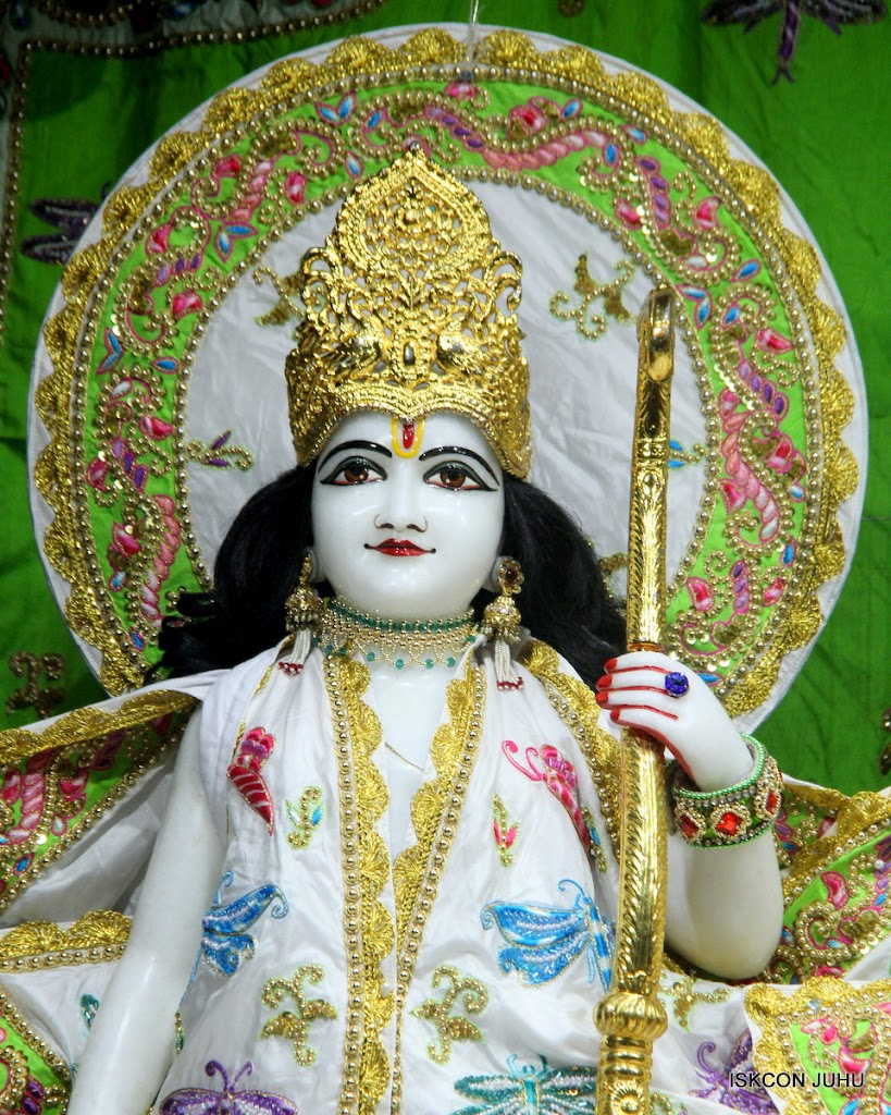 ISKCON Juhu Mangal Deity Darshan on 01st May 2016 (5)