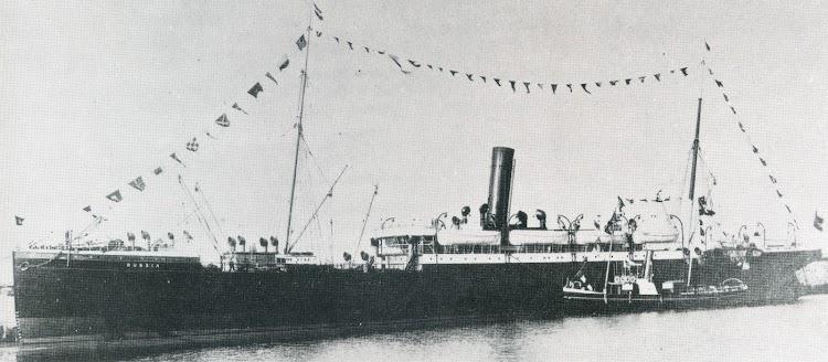 Vapor RUSSIA, que con posterioridad fue el SANTA BARBARA de la Compañia Trasatlantica. Del libro Die Schiffe der Hamburg Amerika Linie. 1847-1906.jpg