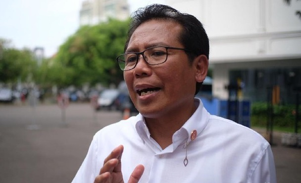 Soal Kerumunan Sembako Terus Berulang, Jubir: Pak Jokowi Tak Pernah Berniat Kumpulkan Massa, Beliau Selalu Taat Aturan