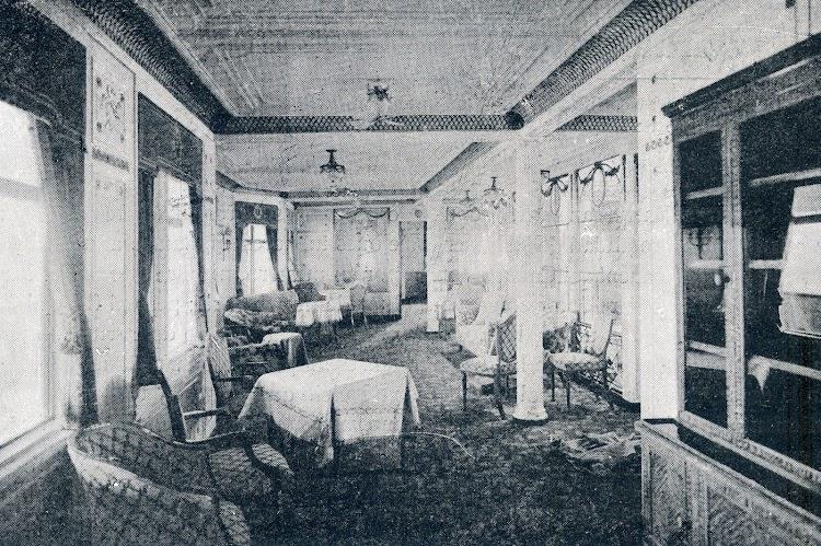 27-INFANTA ISABEL DE BORBON. Otra vista del gran salón de música. Revista La Vida Marítima. Año 1914.jpg