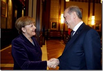 Merkel handshake  mit Erdo 8.2.2016