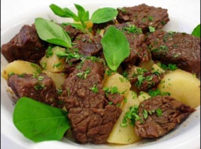 carne-com-manjericao-e-batatas