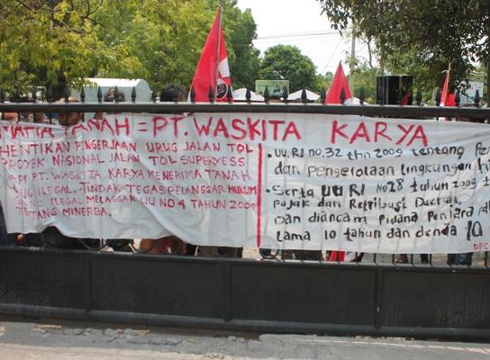 Aktivis GMNI Cabang Ngawi demo minta pihak kepolisan segera menjerat hukum bagi  pengusaha penambang liar galian C