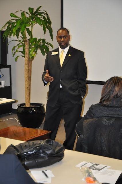 Jan. 2011: Health Care Policy w/ State Rep. Howard Mosby - DSC_4299.JPG