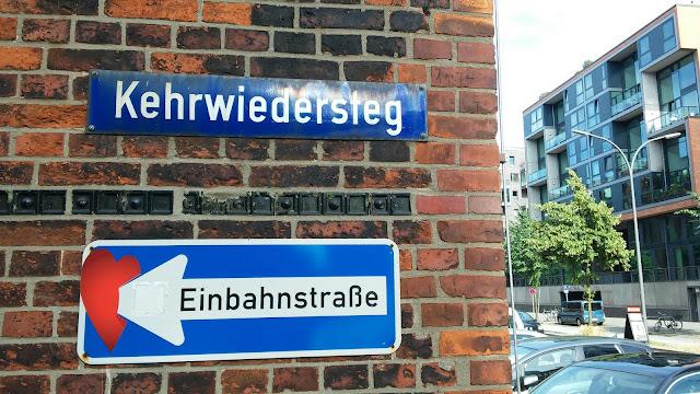 Kehrwiedersteg Streetart