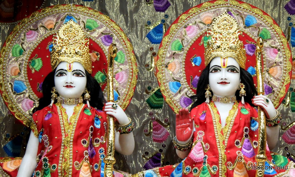 ISKCON Juhu Mangal Deity Darshan on 28th Aug 2016 (16)