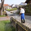 Blog-KSF-2013 / Reinigungsarbeiten Vorplatz Begegnungsstätte